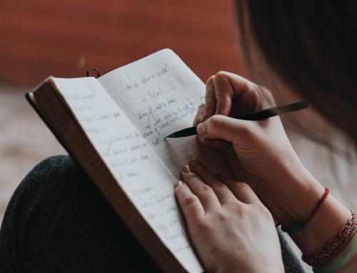 Wie fange ich ein Tagebuch an?