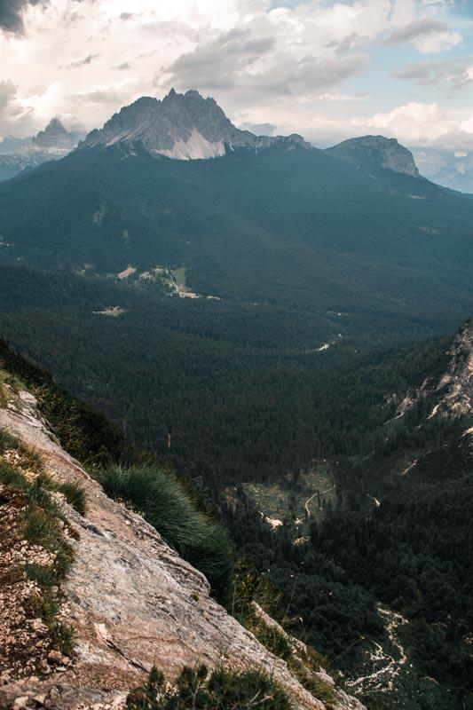 Blick auf einen Berg von der schwierigen Stelle aus
