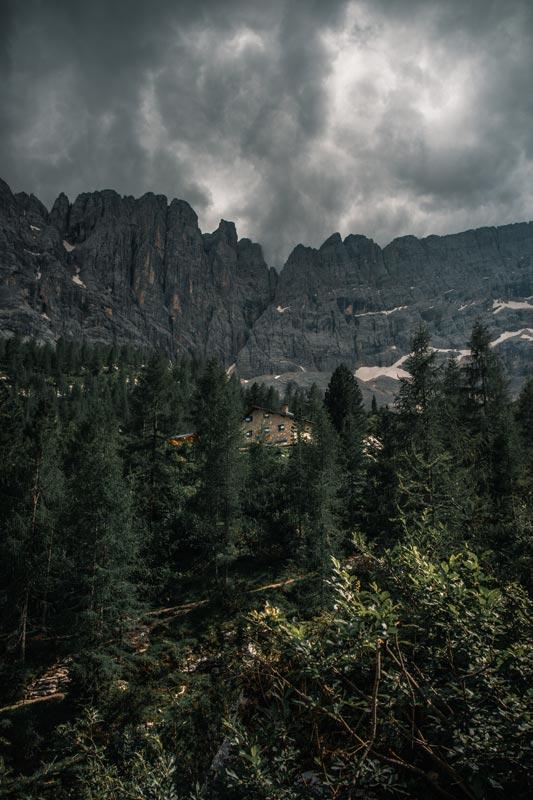 Endlich ist die Hütte am Lago Di Sorapis gut zu sehen