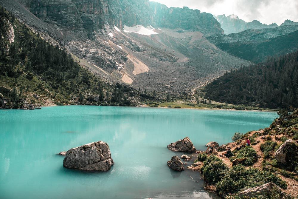 Ausblick über den traumhaften, türkis-blauen Lago Di Sorapis