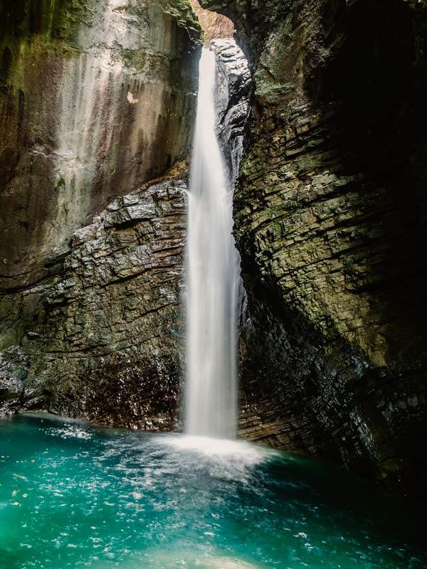 Kosjak Wasserfall im Soca TaL